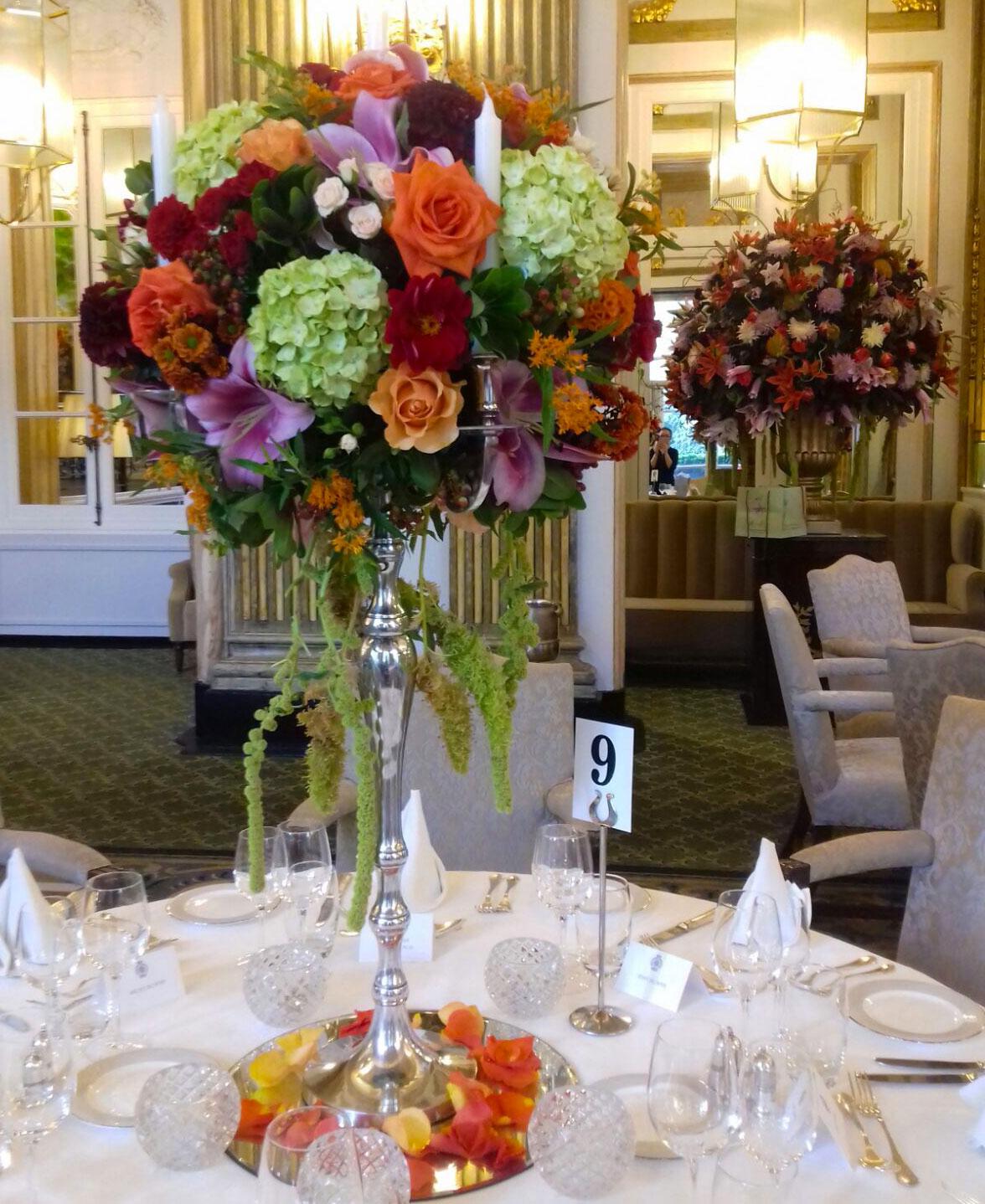 moyses-stevens-corporate-floral-arrangement.jpg