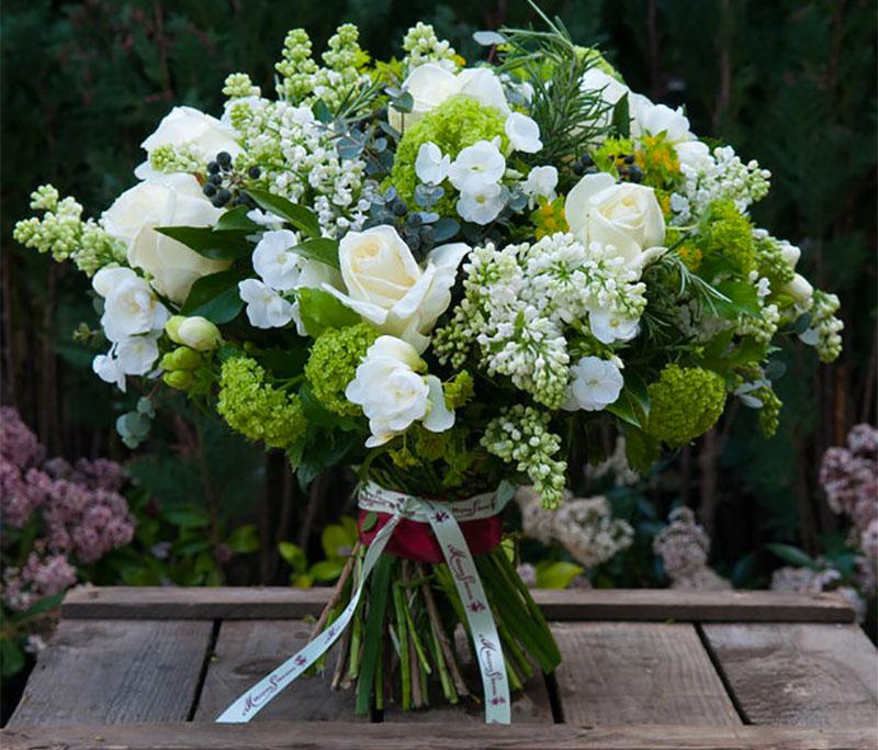 scented-white-bouquet-moyses-stevens-blog.jpg